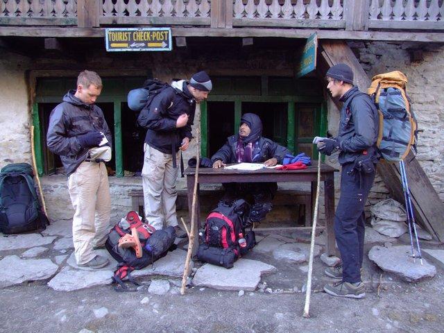 Carl, Ed & Thomas at the checkpost