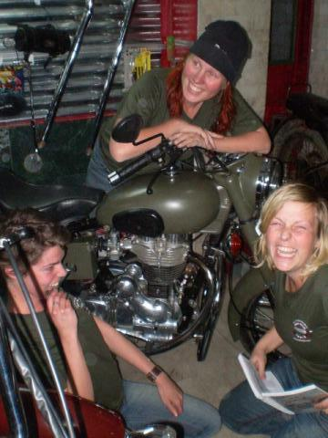motor-cycling dutchgirls
