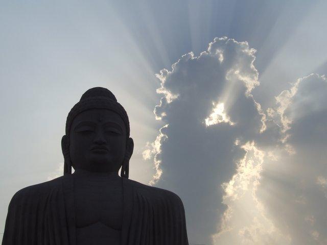 big Buddha and the cloud