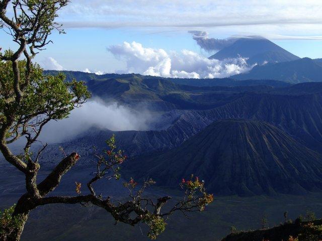 Bromo 2393m and Gunung 2581m