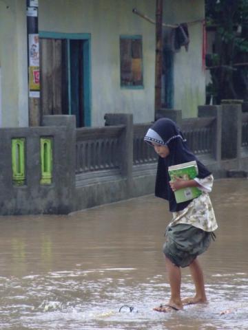 girl in the flood