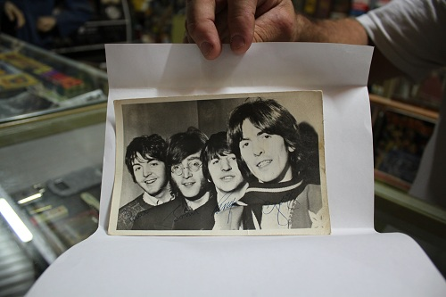 signed beatles-picture