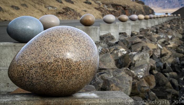 Rock eggs